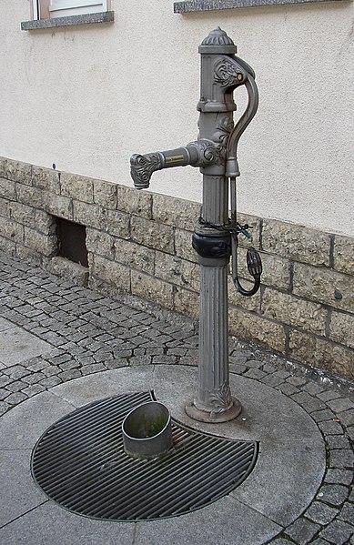 File:Worbis Pumpe.jpg