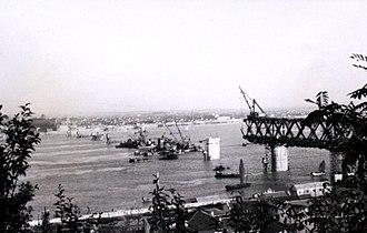 Wuhan Yangtze River Bridge - Wuhan Yangtze River Bridge under construction in 1956