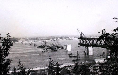 Wuhan Changjiang Bridge in constrution