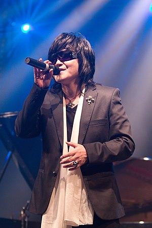 Toshi (musician) - Toshi in Paris 2010