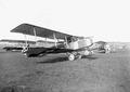 Zweisitziger Doppelrumpf-Doppeldecker Häfeli DH-1 des Schweizer Flugzeugkonstrukteurs August Häfeli mit Maschinengewehr - CH-BAR - 3240089.tiff