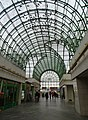 Černý Most, stanice metra, horní patro s obchody.jpg