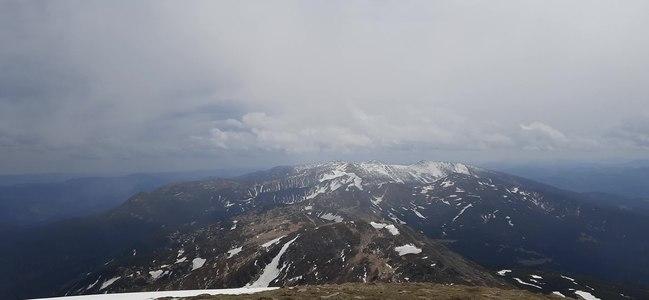 File:Вид на Чорногірський хребет в сторону Туркула з Говерли.ogv