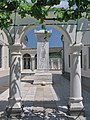 Кенасы - памятный знак в честь посещения царской семьи.jpg
