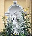Фигура святого апостола Петра в нише колокольни церкви Святых Кирилла и Мефодия.jpg