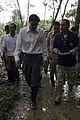 นายกรัฐมนตรี ตรวจเยี่ยมจุดดินถล่ม ณ หมู่ที่ 7 ตำบลหน้า - Flickr - Abhisit Vejjajiva (13).jpg