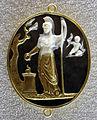 002 frammento antico con minerva ed ercole fanciullo, restaurato nel xvi sec in oro tradizionalm. dal cellini.JPG