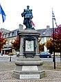 03 Lesneven Statue du général Le Flo.JPG