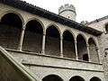 058 Castell de Santa Florentina (Canet de Mar), pati, galeria del Tallat i torre sud-oest.JPG
