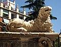 077 Catedral de València, porta dels Ferros, lleó.JPG