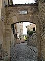 112 Pedralbes, portal sud del recinte.jpg