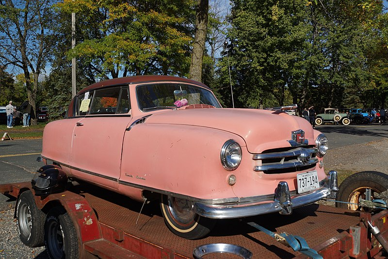 File:1951 Nash Rambler Custom (30043354536).jpg