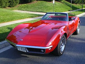 Chevrolet Corvette (C3) - Image: 1968 corvette convt
