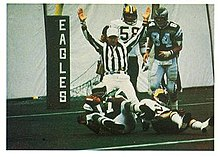 b67dbd2b093 Wide receiver Harold Carmichael scoring a touchdown for the Eagles in 1977.