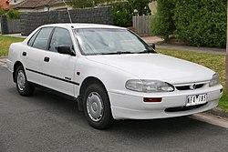 1995 Holden Apollo (JM) SLX sedan (2016-01-04) 01.jpg