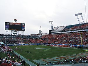 2009 Gator Bowl - The game during a timeout.