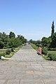 2014 Prowincja Armawir, Zwartnoc, Główna aleja z katedry do bramy wyjściowej (02).jpg
