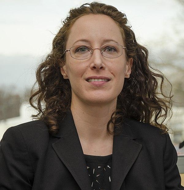 Amy Simon - Wikipedia