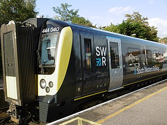 South Western Railway (train operating company) - Image: 444040 at New Milton