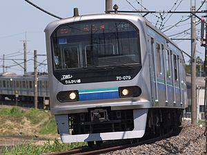 70-000 series set 7 Kawagoe Line 20140511.jpg