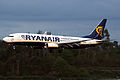737 Ryanair EI-EKN 01.jpg