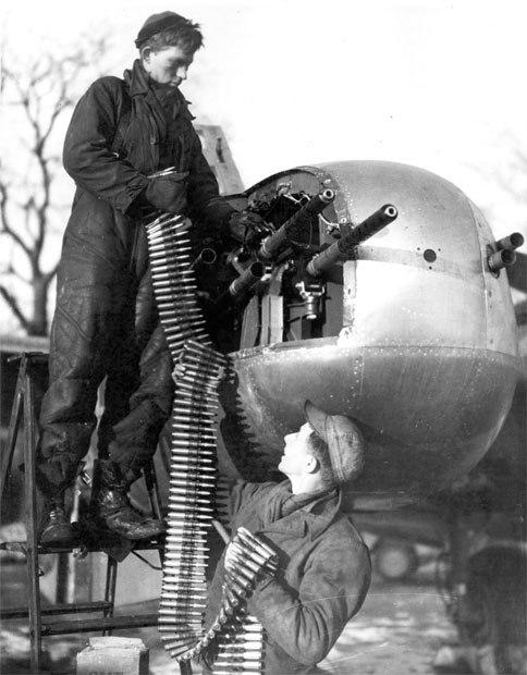 A-26machinegunload