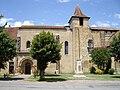 Abbaye et monument aux morts de Saint-Sever-de-Rustan.JPG