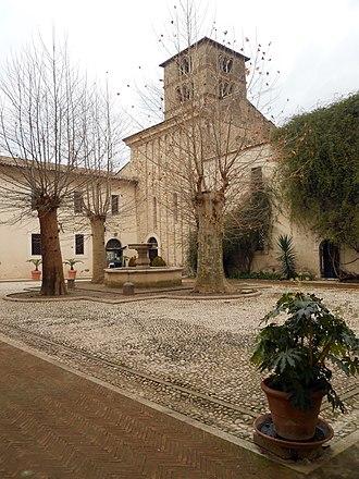 Farfa Abbey - The abbey's court