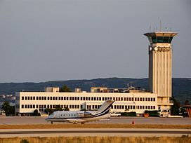 Air traffic control tower at Split Airport.jpg
