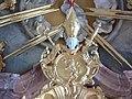 Alberskirch Kapelle Hochaltar Wappen Abt Unold.jpg