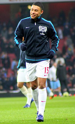 Alex Oxlade-Chamberlain - Oxlade-Chamberlain warming up for Arsenal in 2012