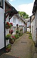 Alleyway, Chagford - Flickr - exfordy.jpg