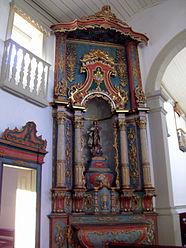 Altar da Igreja de Nossa Senhora do Rosario e São Benedito.jpg