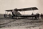 Am Flugplatz Landung des Apparates in Kragla (BildID 15530109).jpg
