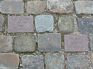 Amerikakaj - Inscribed setts at Kristina statue