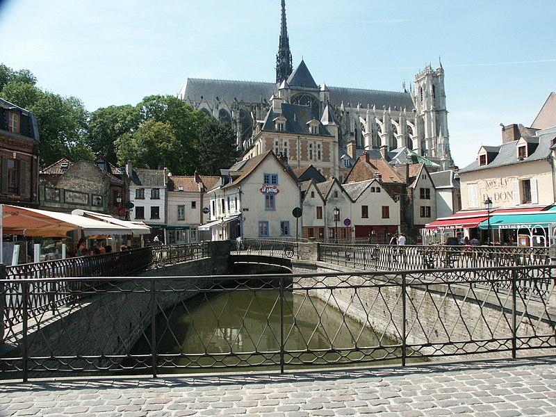 File:Amiens pl du dom.jpg