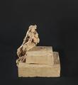 Andrea Malfatti – Stele funeraria con figura femminile dolente e corona di fiori.tif