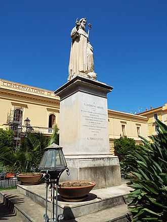 Antoninus of Sorrento - Image: Antoninus of Sorrento statue