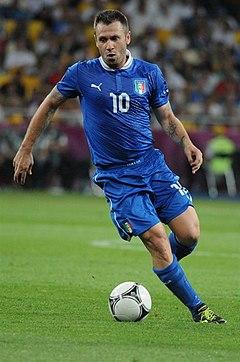 e8f4418afd9a8 Cassano atuando pela Itália na Euro 2012.