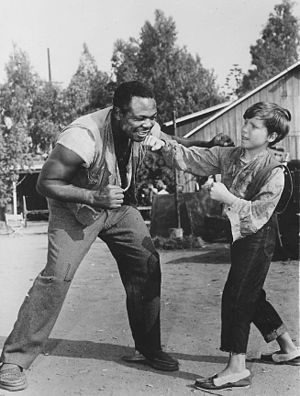 The Adventures of Huckleberry Finn (1960 film) - Archie Moore and Eddie Hodges on set