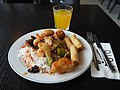 Asian buffet food at restaurant Futo.jpg