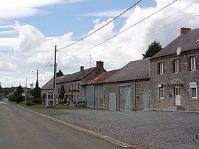 la rue principale de Baives