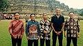 Barack Obama Borobudur.jpg