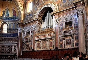 Basilica st Giovani in Laterano 2011 20.jpg