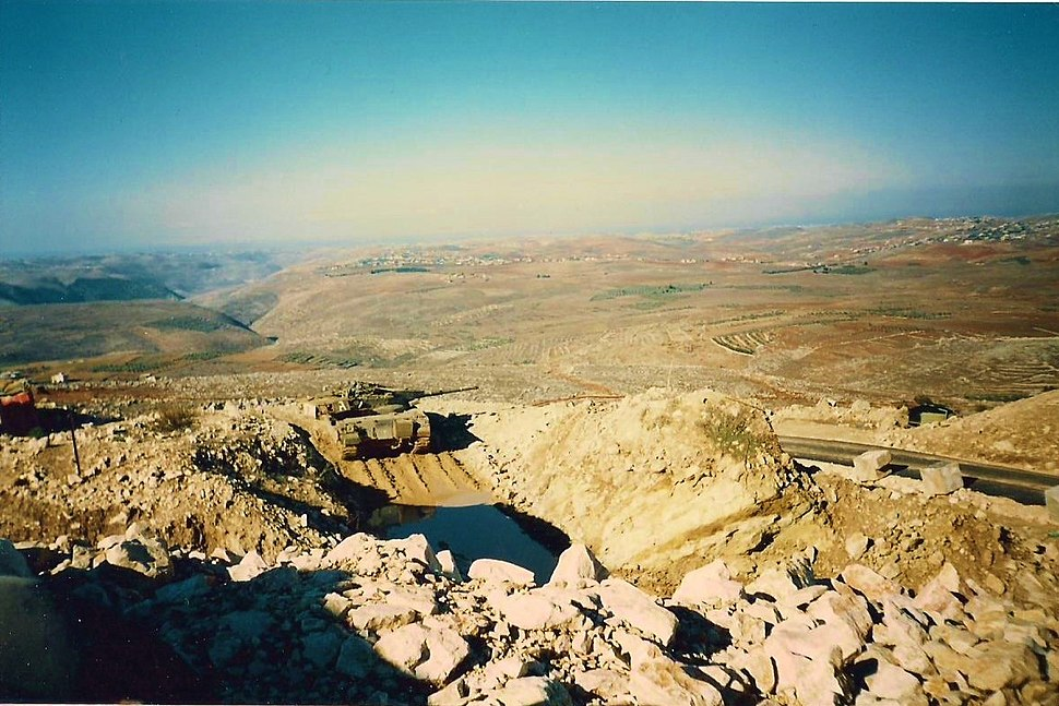 Beaufort tank Southern Lebanon 1995