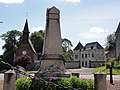Beaurieux (Nord, Fr) monument aux morts (église, château).jpg