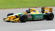 Photo de la Benetton B193 de Michael Schumacher en démonstration à Silverstone