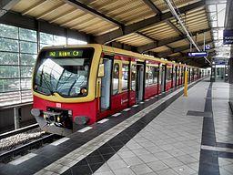 Berlin Bahnhof Westkreuz Richtung Nord S Bahn Berlin DBAG Baureihe 481 10.8.2009