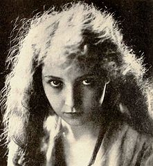 Category:Bessie Love - Wikimedia Commons
