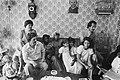 Bewoners Coenhotelflat (Amsterdam) protesteren tegen slechte huisvesting Surinam, Bestanddeelnr 929-2315.jpg